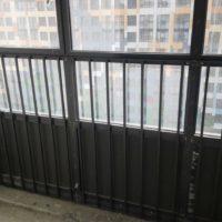 Изготовление, доставка и монтаж ограждений витражей, балконов (ЖК «О'Юность»).