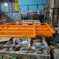 Производство комплекта строительного дорожного ограждения из уголка и профильного листа со столбами из профильной трубы.