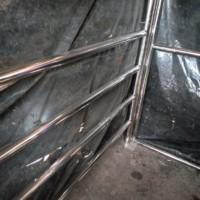 Производство каркаса навеса из нержавеющей стали AISI304 для хранения покупательских тележек.